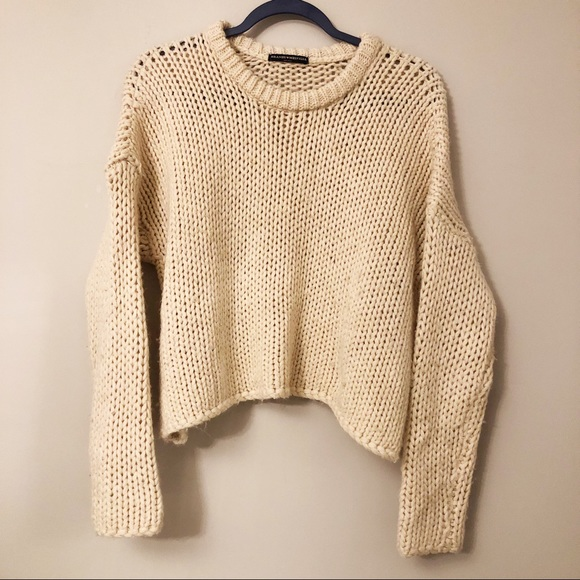 Brandy Melville Sweaters - Brandy Melville Cropped Sweater